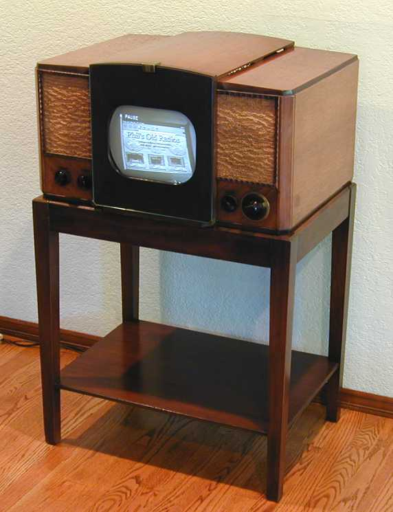 Soldwood likewise RCACTC 11ATelevision also 502855114620840787 likewise File Radio Row Berenice Abbott also 1937 Console Radio Model F 65 General. on old floor radios
