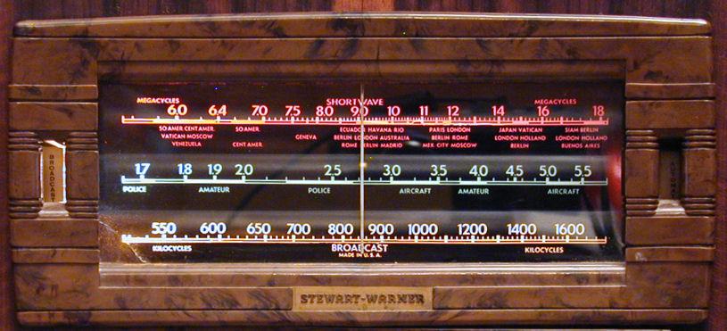Stewart Warner Model 1865 Console Radio 1938