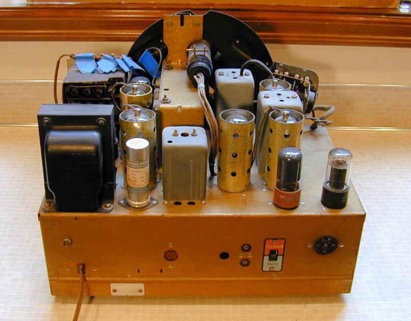 Zenith Model 12-S-471 Console Radio (1940)