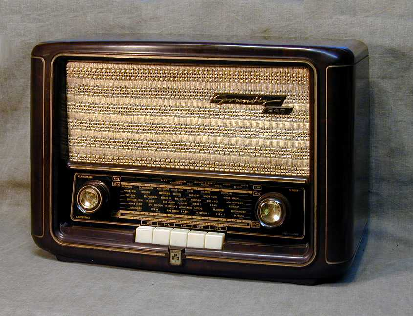 Grundig Model 940w Mw Lw Ukw Radio 1950
