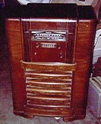 Sparton Model 1271 Console Radio (1939)